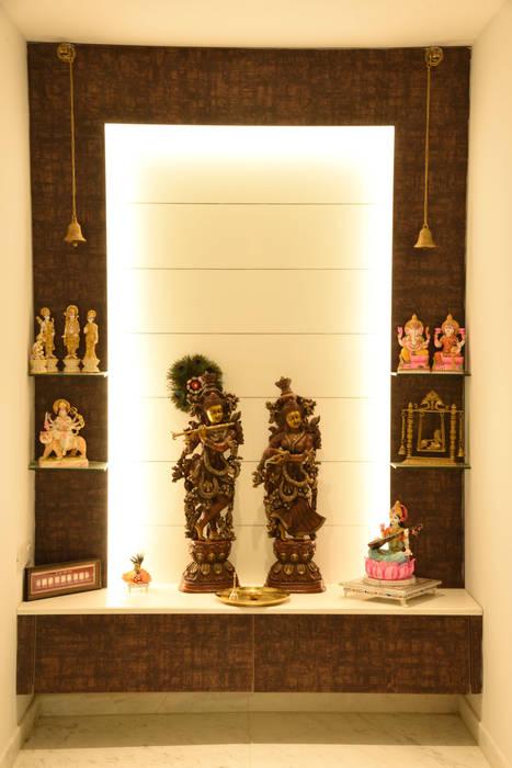 Apartment at Tata Primanti, Gurugram:  Corridor & hallway by The Workroom,Modern