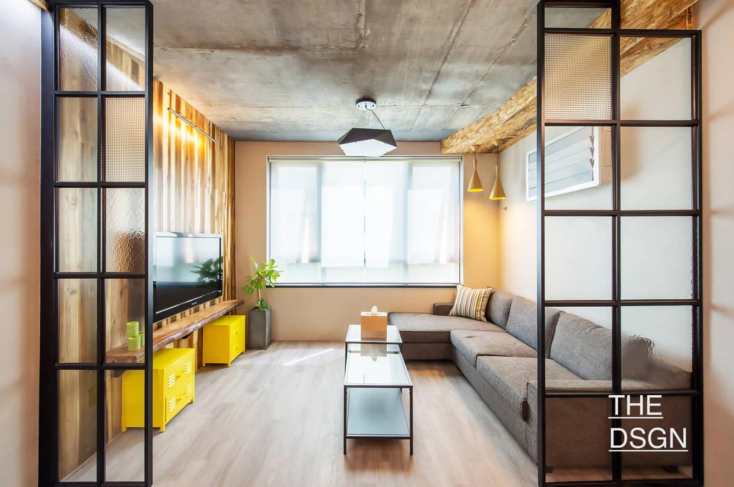 카페처럼 편안한 휴식공간 스칸디나비아 거실 by 더디자인 the dsgn 북유럽