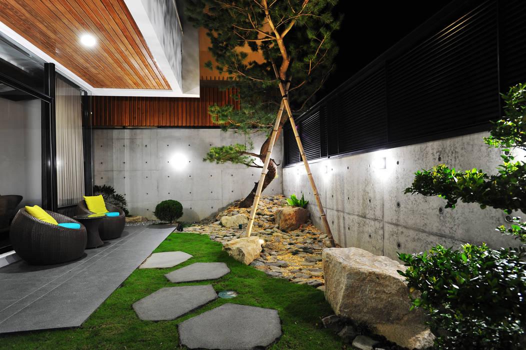 حديقة تنفيذ 黃耀德建築師事務所  Adermark Design Studio, تبسيطي
