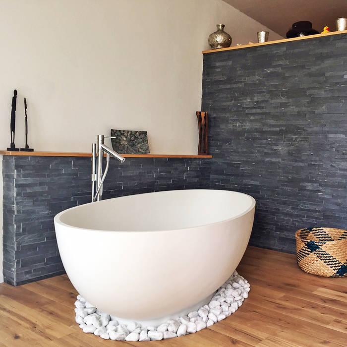 Bad mit freistehender badewanne campione aus mineralguss ...