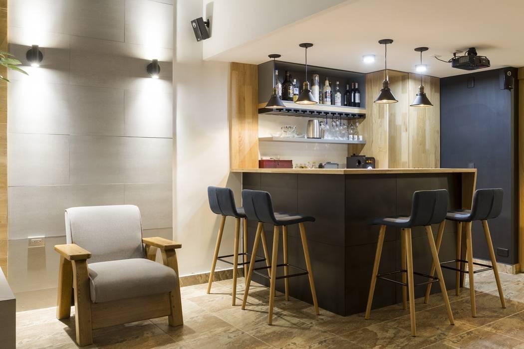 diseño interior jardín adentro: Habitaciones de estilo  por Adrede Diseño, Clásico