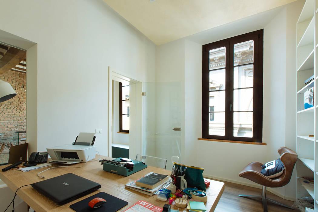 GTT: Studio in stile in stile Moderno di COBE architetti