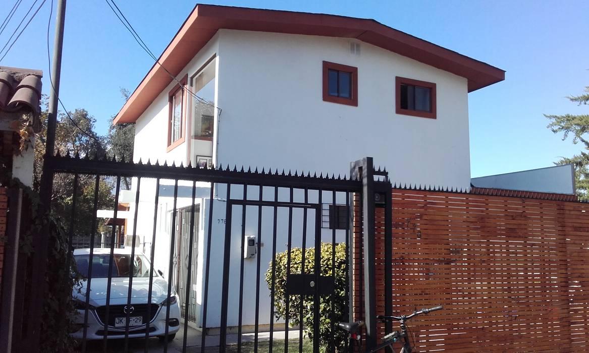 Fachada principal Nueva : Casas unifamiliares de estilo  por DIEGO ALARCÓN & MANUEL RUBIO ARQUITECTOS LIMITADA