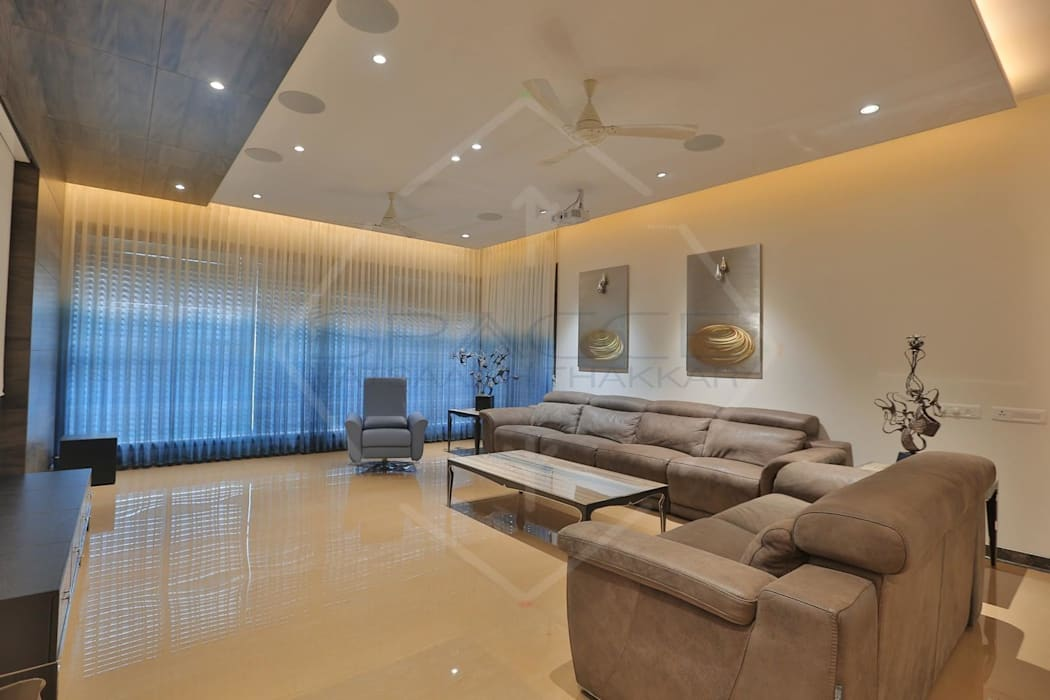 'out of the 'blue' '...an expression in modern interiors Modern living room by SPACCE INTERIORS Modern
