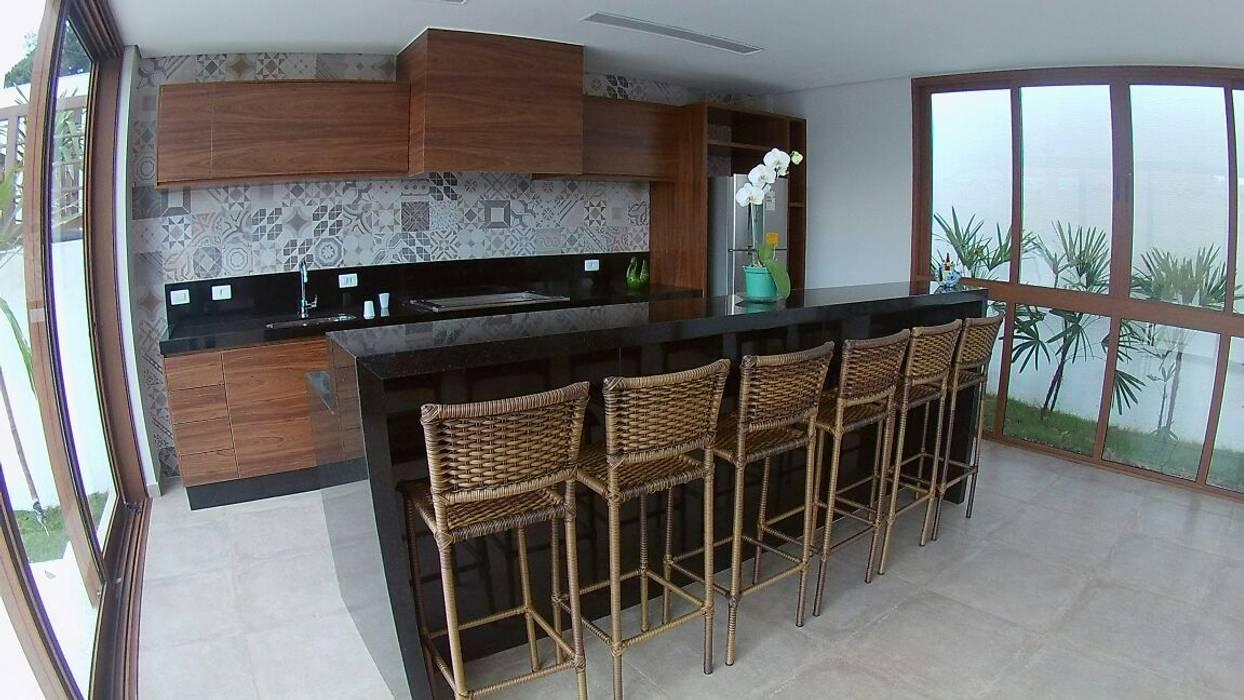 Construção Residencial em Santa Isabel: Cozinhas  por IMAGINARTE -  Arquitetura & Construção