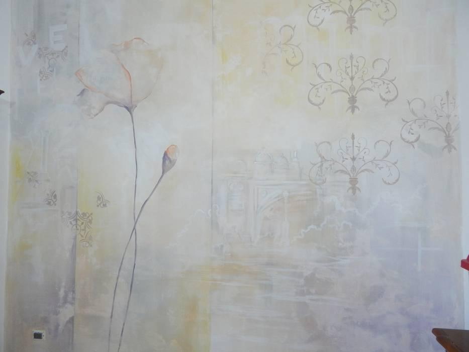 Parete decorata: Soggiorno in stile in stile Moderno di Meraki di Irene Mancini