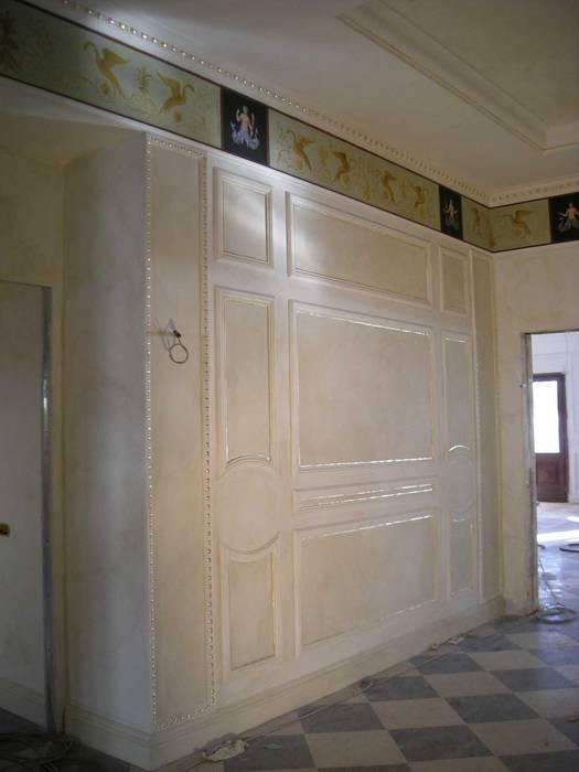 Decorazione classica: Ingresso & Corridoio in stile  di Meraki di Irene Mancini