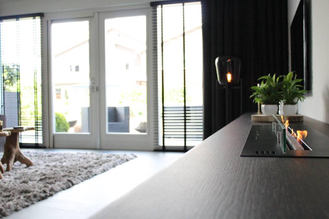 Cementgebonden gietvloer in moderne stoere woonkamer van Motion Gietvloeren Modern Beton