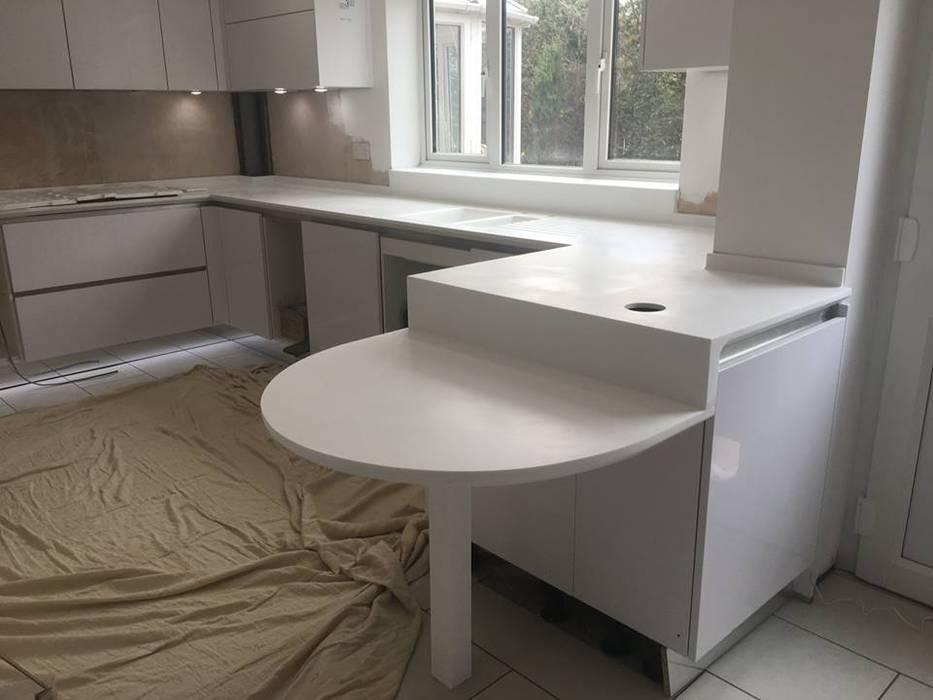 Corian EG KücheTische und Sitzmöbel Marmor Weiß