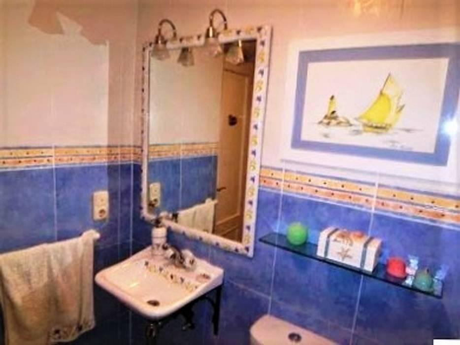 Cuarto de baño juvenil de estilo mediterráneo: baños de estilo de ...