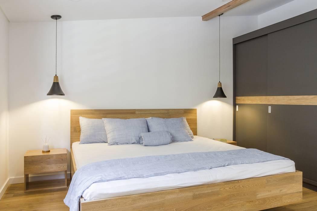 habitación casa laureles Habitaciones modernas de Adrede Diseño Moderno Madera Acabado en madera