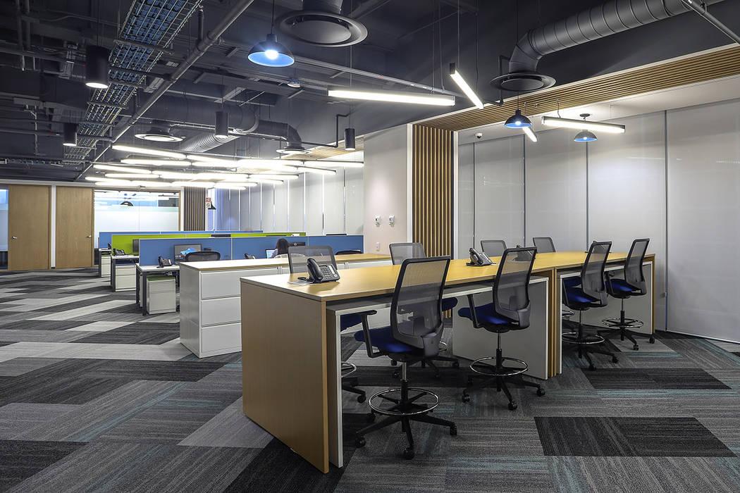 Oficinas Corporativas La Madrileña - Eskema Arquitectos Eskema Estudios y despachos de estilo moderno