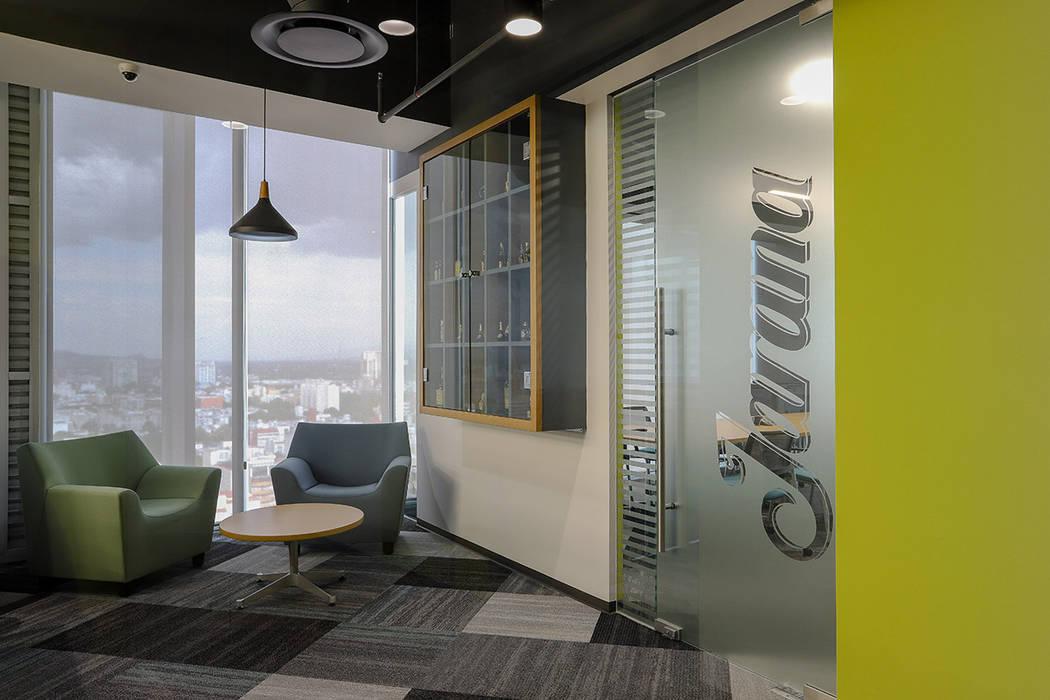 Oficinas Corporativas La Madrileña - Eskema Arquitectos Estudios y despachos modernos de Eskema Moderno