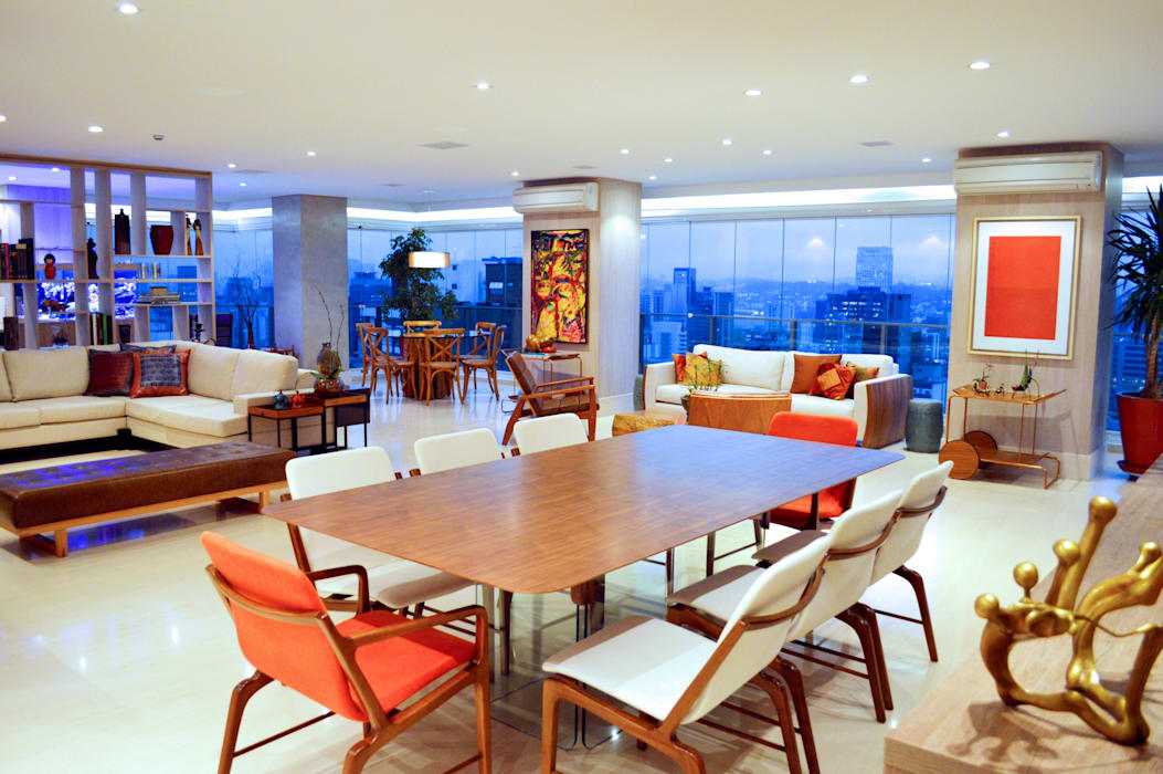 SALA DE JANTAR COM VISTA PANORÂMICA: Salas de jantar  por Adriana Scartaris: Design e Interiores em São Paulo,Moderno Madeira Efeito de madeira