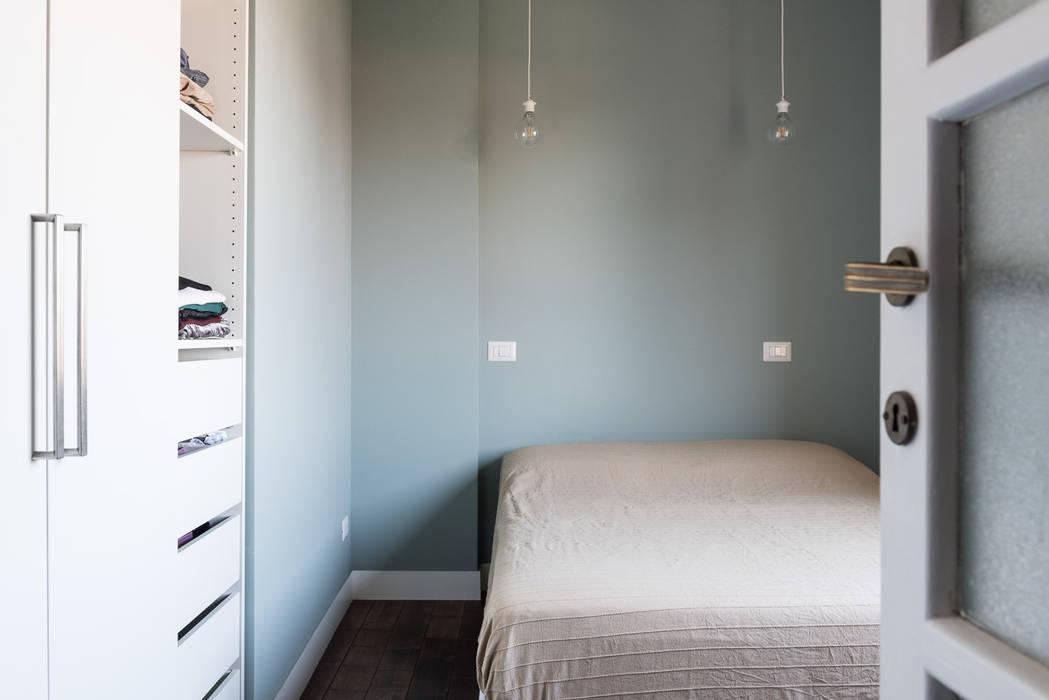 Camera da letto Camera da letto moderna di Grippo + Murzi Architetti Moderno