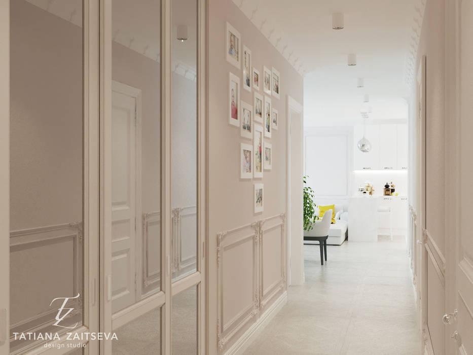 Коридор, прихожая и лестница в классическом стиле от Design studio TZinterior group Классический