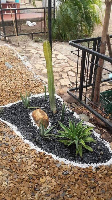 Jardín Xerofilo: Jardines zen de estilo  por Globo Natural