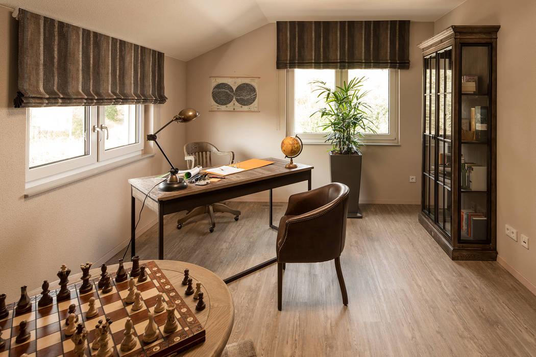 Study/office by FingerHaus GmbH - Bauunternehmen in Frankenberg (Eder), Modern