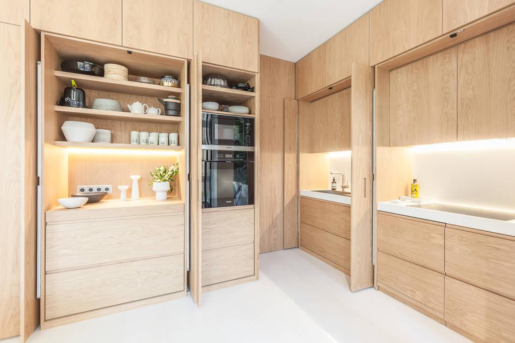 Apartamento en Calle Argentona : Cocinas de estilo  de YLAB Arquitectos, Escandinavo