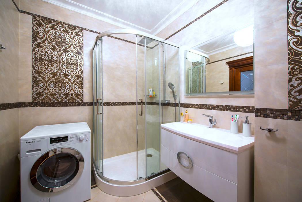 Реализованный дизайн-проект квартиры на Университете: Ванные комнаты в . Автор – Style Home