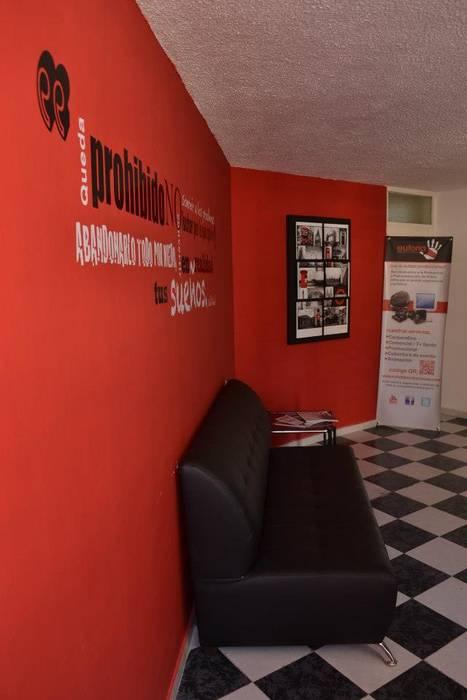Oficinas Euforia Producciones : Estudios y oficinas de estilo  por emARTquitectura