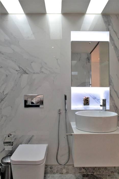 Apartamento en Chulavista: Baños de estilo  por RRA Arquitectura, Minimalista Mármol