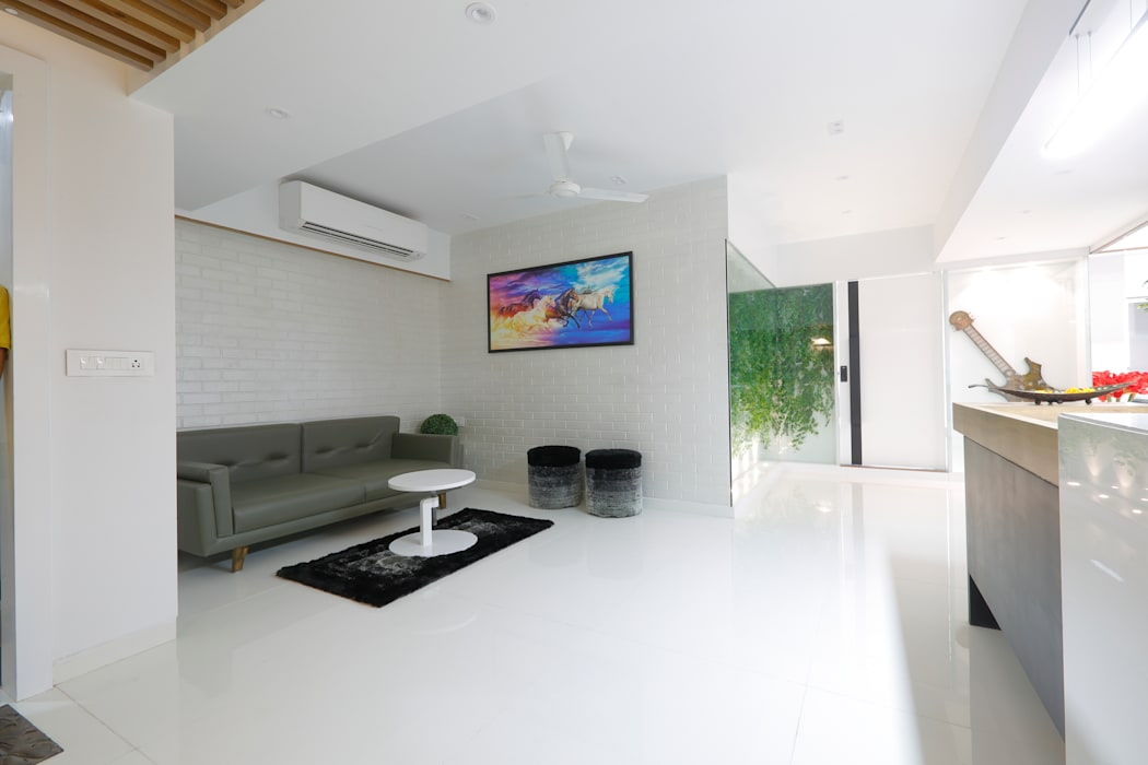 Waiting Lounge by malvigajjar Modern