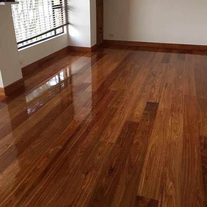 Pisos en madera maciza pisos de estilo por tecas y for Tipos de pisos de madera
