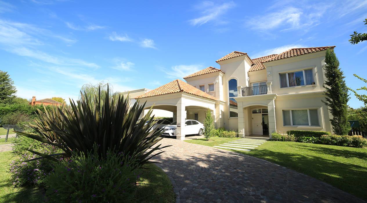 Casa Estancias del Pilar: Casas de estilo  por ARQCONS Arquitectura & Construcción