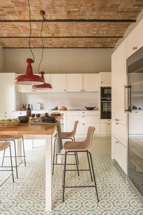 Встроенные кухни в . Автор – The Room Studio
