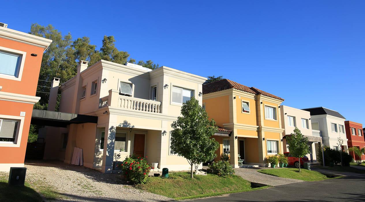 Emprendimiento Hábitat Residencias: Casas de estilo  por ARQCONS Arquitectura & Construcción