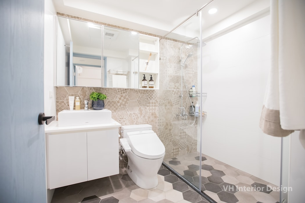 Modern style bathrooms by VH INTERIOR DESIGN Modern