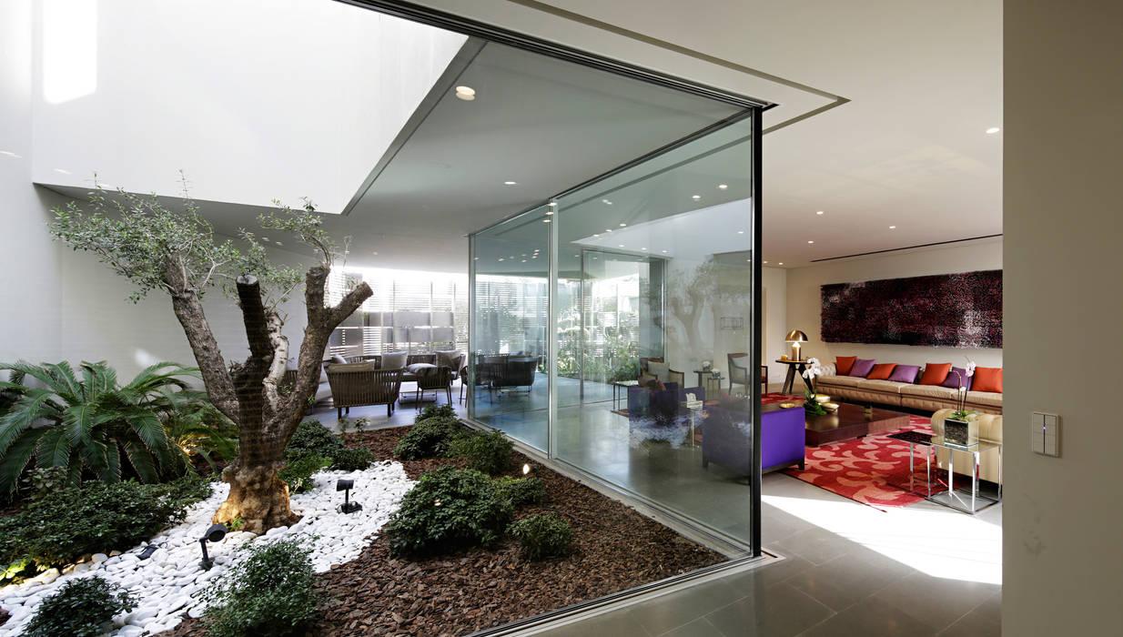 by AGi architects arquitectos y diseñadores en Madrid Сучасний Скло