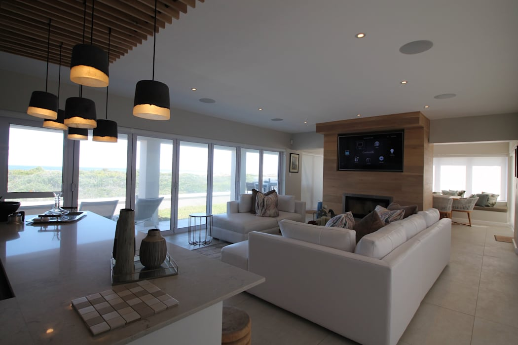 Entertainment Area:  Living room by Projector & Sound Services (PTY) Ltd