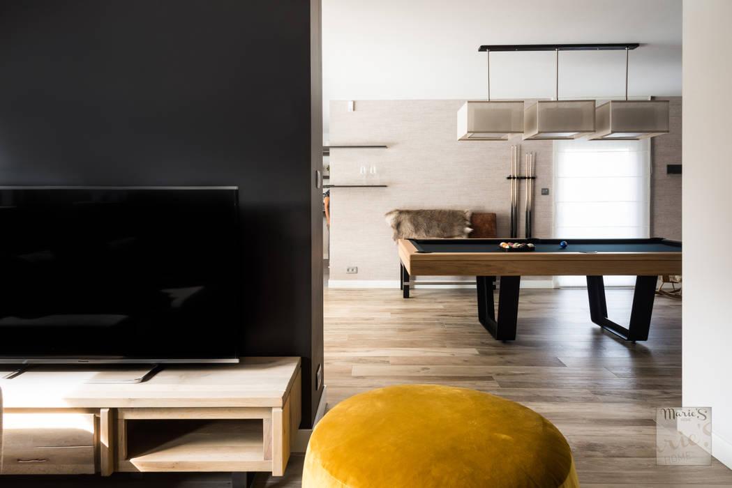 Ruang Multimedia oleh Marie'S Home, Klasik