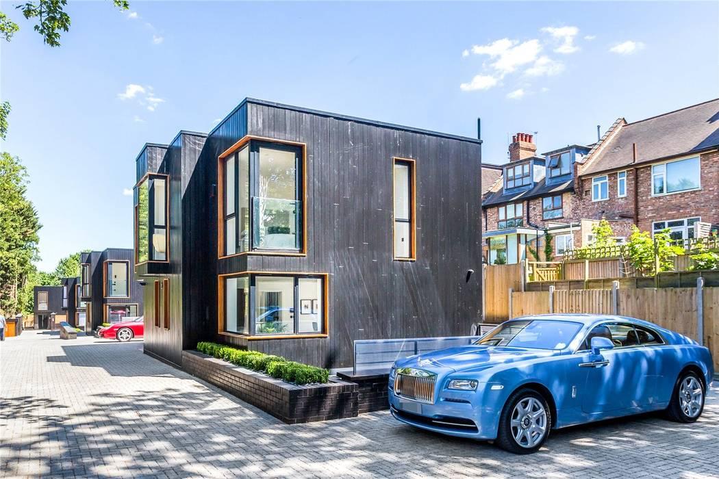 Darcies Mews:  Houses by The Crawford Partnership, Modern