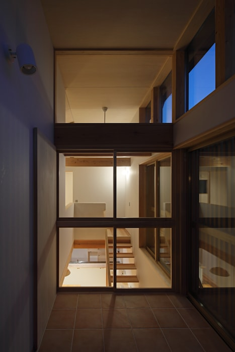 Rustic style conservatory by 芦田成人建築設計事務所 Rustic