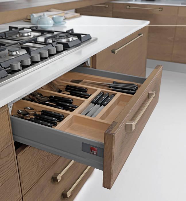 Acessórios de Gaveta por Area design interiores Moderno Madeira Acabamento em madeira