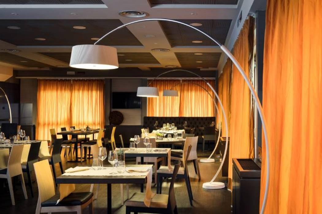 Novotel Brescia: Restoran oleh LEDS C4, Modern