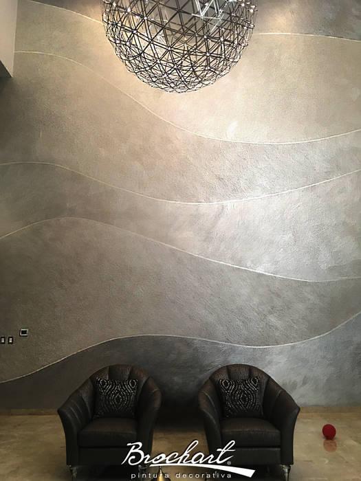 Hall de entrada de doble altura, técnica Mapa Brochart © Brochart pintura decorativa Paredes y pisos de estilo moderno