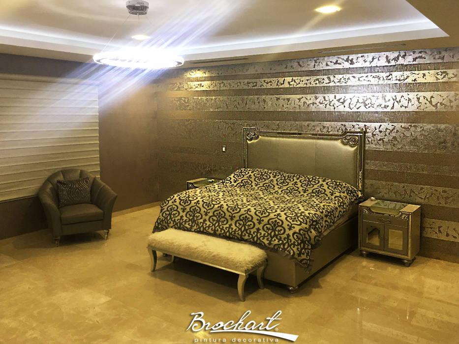 Dormitorio principal, técnica Espejo de Plata y Lino 3D ©: Paredes de estilo  por Brochart pintura decorativa,