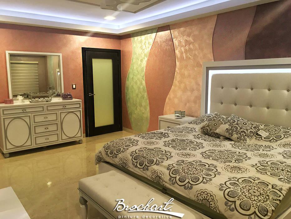 Dormitorio secundario, técnica Corteza 3D y Esfumado Acuarela ©: Paredes de estilo  por Brochart pintura decorativa,