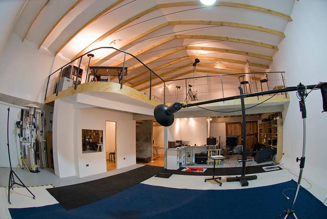 Estudio Oficinas y bibliotecas de estilo ecléctico de homify Ecléctico Madera Acabado en madera