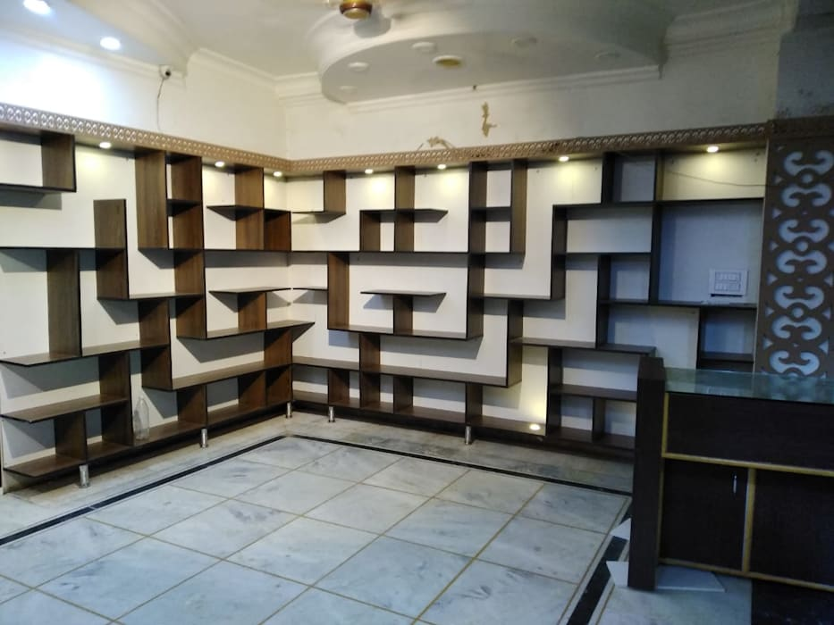 Interiors:  Bedroom by M.U Interiors