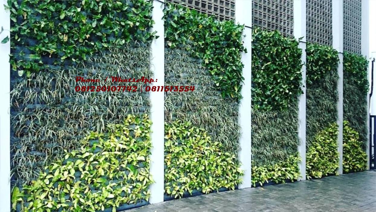 JASA TUKANG TAMAN VERTIKAL SURABAYA - Vertical garden part II:  oleh TUKANG TAMAN SURABAYA - jasataman.co.id, Tropis