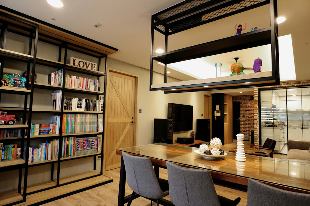 Industrial style dining room by 青築制作 Industrial