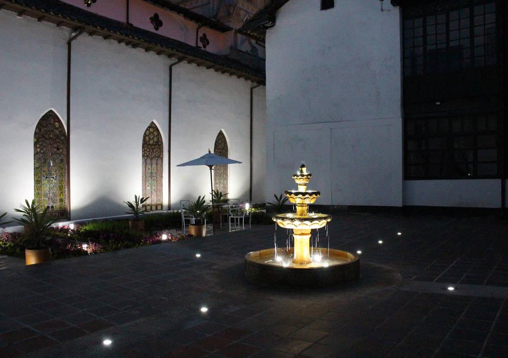 Restauracion patio de concepto colonial: Estanques de jardín de estilo  por Omar Interior Designer  Empresa de  Diseño Interior, remodelacion, Cocinas integrales, Decoración