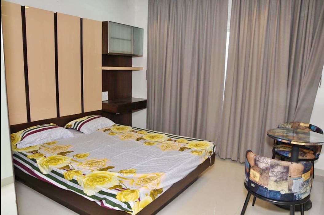 Patkar sir:  Bedroom by Edge spot interior