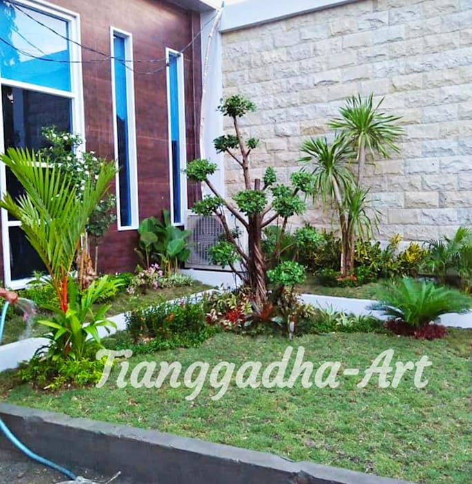Taman Depan Minimalis Tukang Taman Surabaya - Tianggadha-art Halaman depan Batu Pasir Green