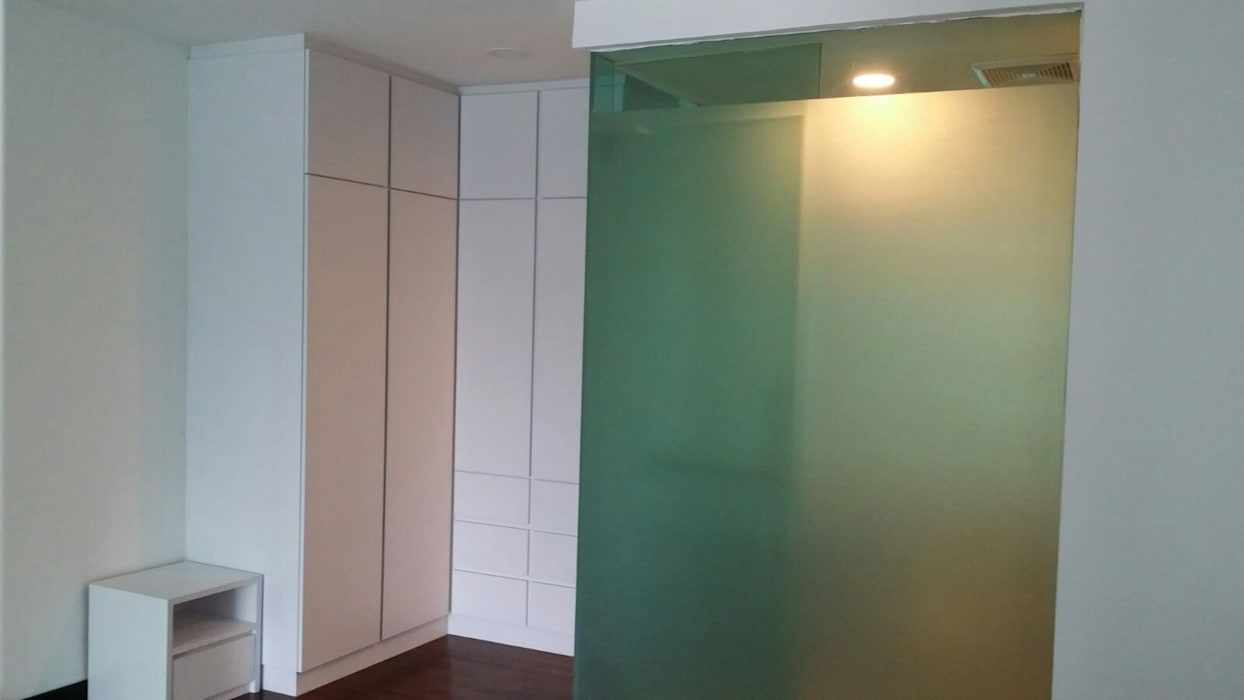 Interior design and renovation for condominium: dressing room by